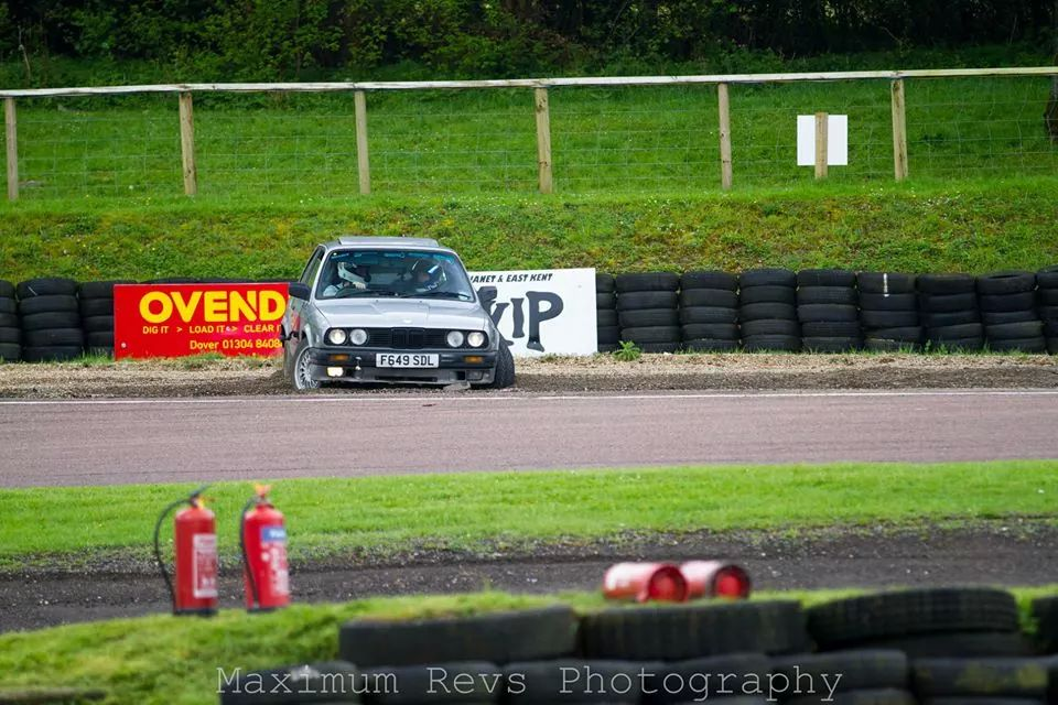 E30 beached at Lydden Hill